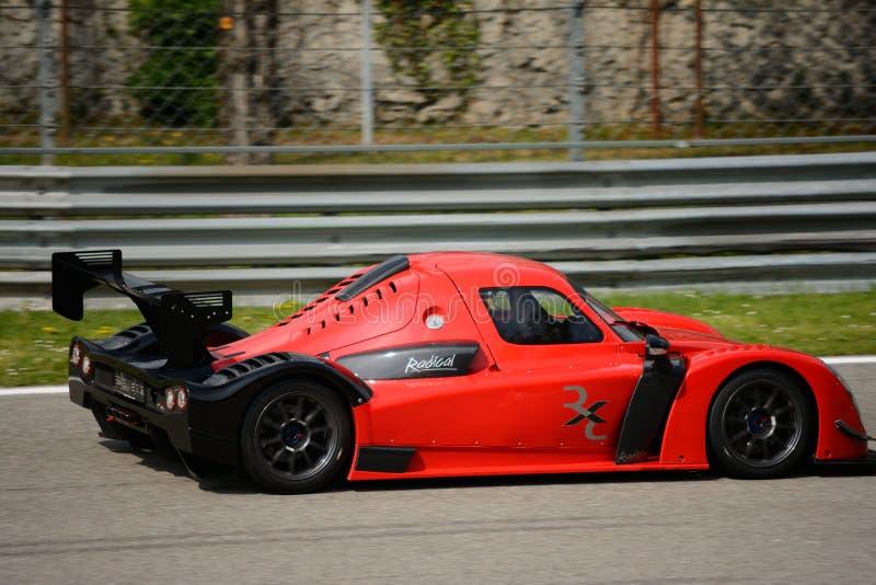 Радикальное испытание автомобиля RXC V8 на Монце стоковые изображения
