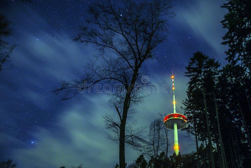 Радиовышка Германии города Кобленца в древесинах 2 стоковое фото
