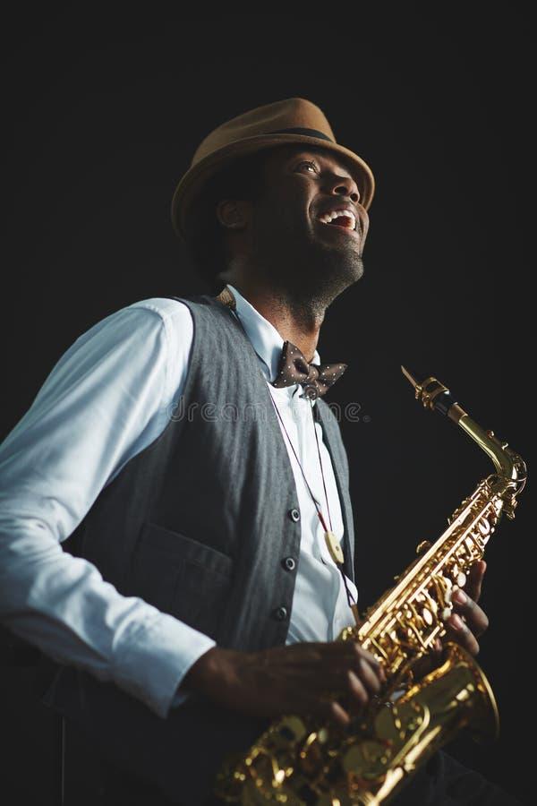 Радостный человек джаза стоковое изображение rf
