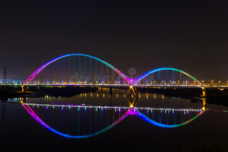 Радуга моста молодого месяца славная стоковые изображения rf