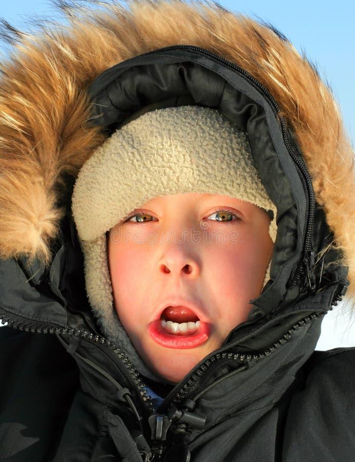 Ребенк в зиме стоковое изображение