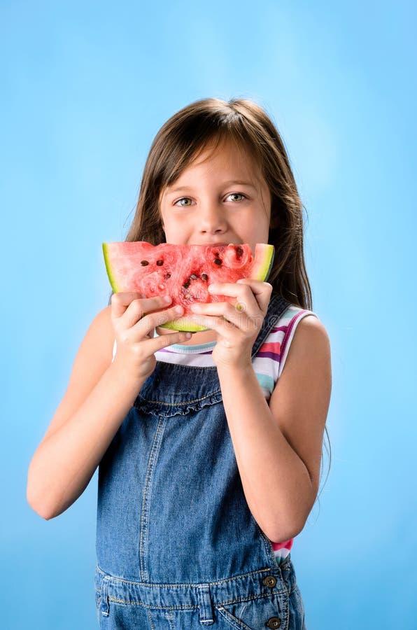 Ребенк с арбузом стоковая фотография