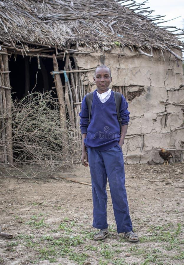 Ребенк Maasai в школьной форме стоковые фото