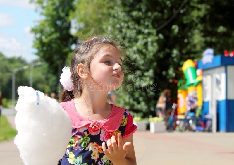 Ребенок на празднике стоковые фото