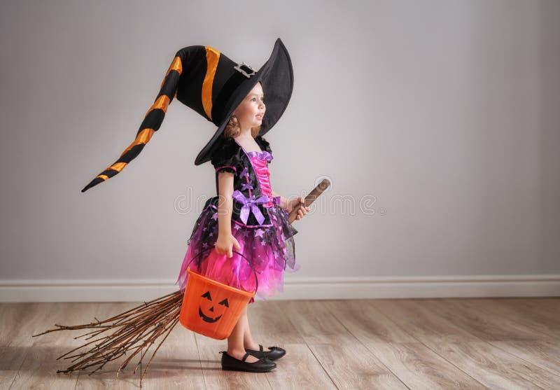 Ребенок на хеллоуине стоковое изображение rf
