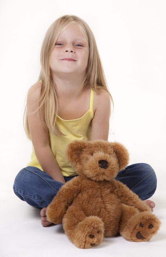 Download ребенок счастливый стоковое изображение. изображение насчитывающей backhoe - 18392215