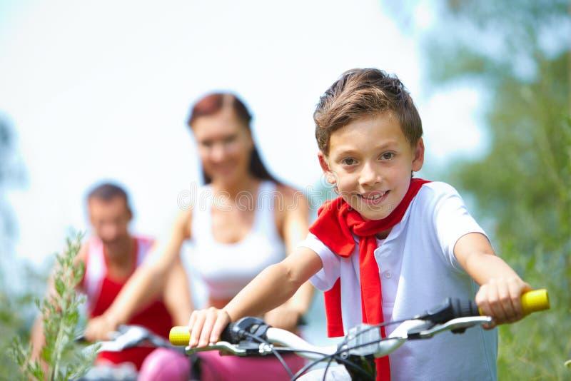 ребенок счастливый стоковое изображение
