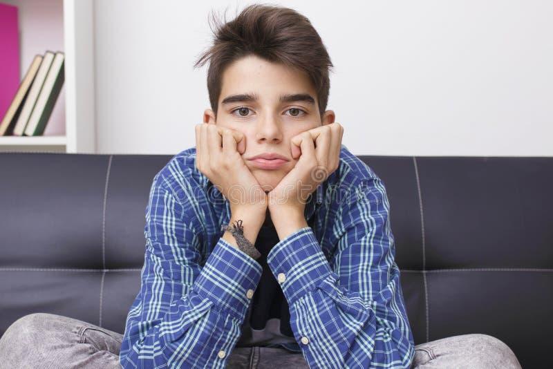 Ребенок с выражением скуки или tiredness стоковое фото rf