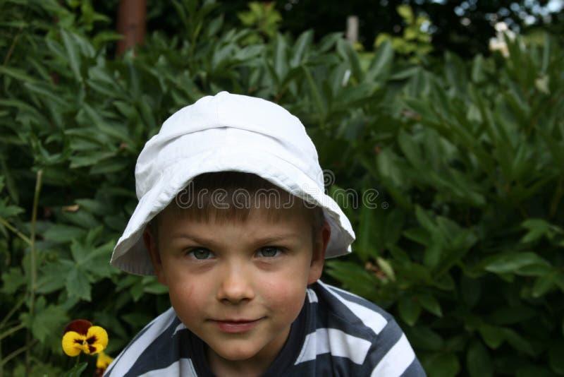 Download ребенок стоковое изображение. изображение насчитывающей малыш - 650335
