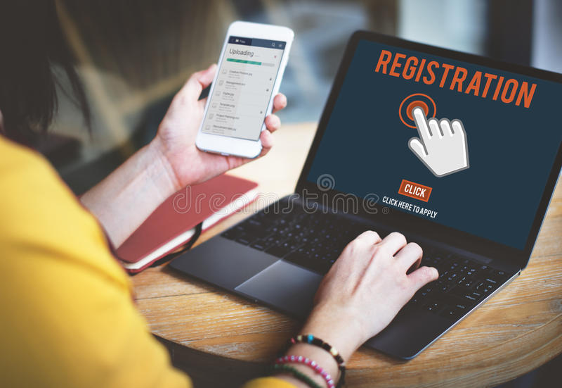 Регистрация регистра входит в прикладывает концепцию членства стоковое фото rf