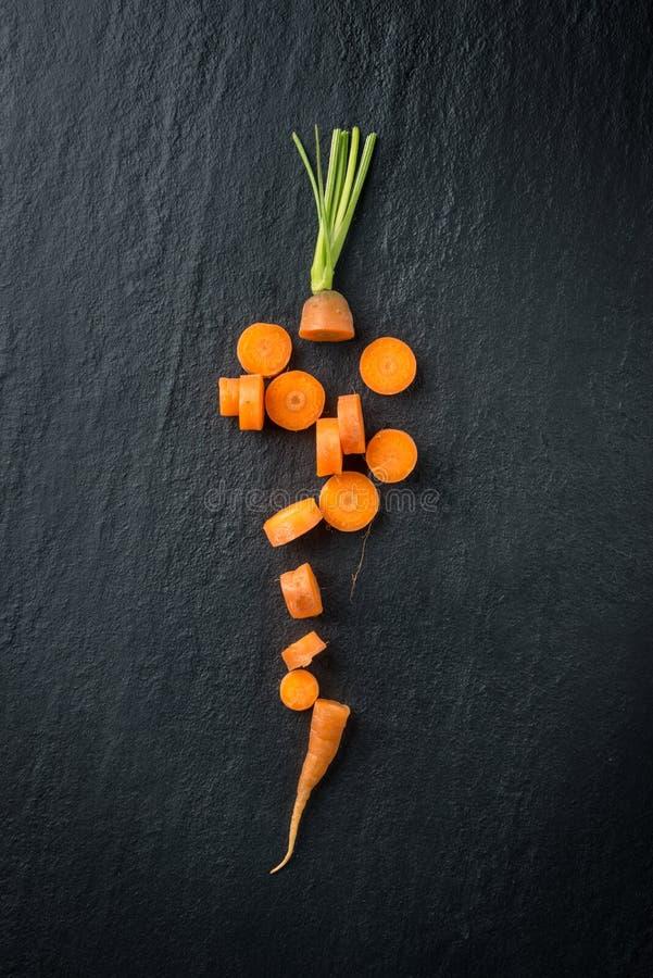 Резать свежую морковь стоковое изображение rf