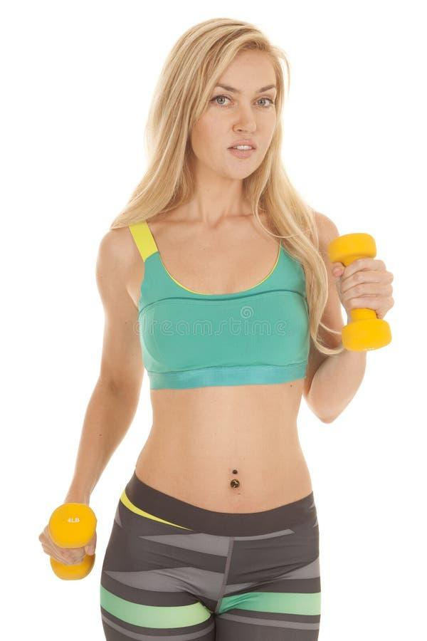 Download Резвит весы одно брюк нашивки бюстгальтера желтые вверх Стоковое Изображение - изображение насчитывающей green, backhoe: 33735163