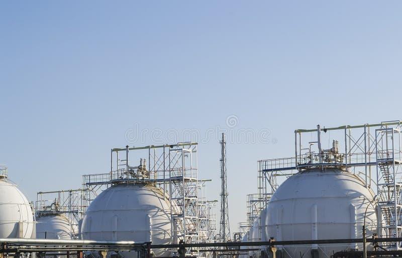 Резервуары газохранилища стоковое изображение rf