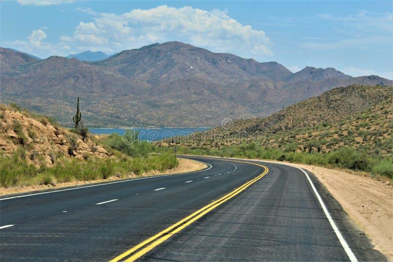 Резервуар озера Bartlett, Maricopa County, государство взгляд ландшафта Аризоны, Соединенных Штатов сценарный стоковое фото rf