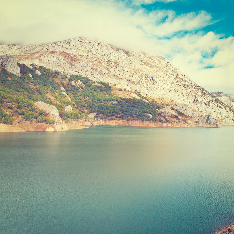 Download резервуар стоковое изображение. изображение насчитывающей каньон - 41654679
