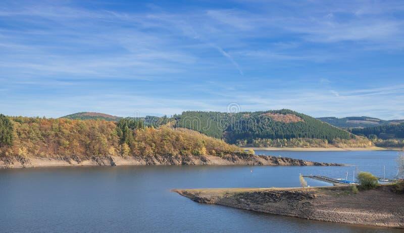 Резервуар Biggesee, Sauerland, Германия стоковые изображения rf