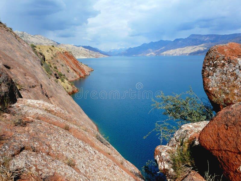 Download Резервуар Nurek стоковое изображение. изображение насчитывающей природа - 41655967