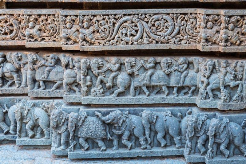 Резное изображение плинтуса виска в Karnataka, Индии стоковая фотография