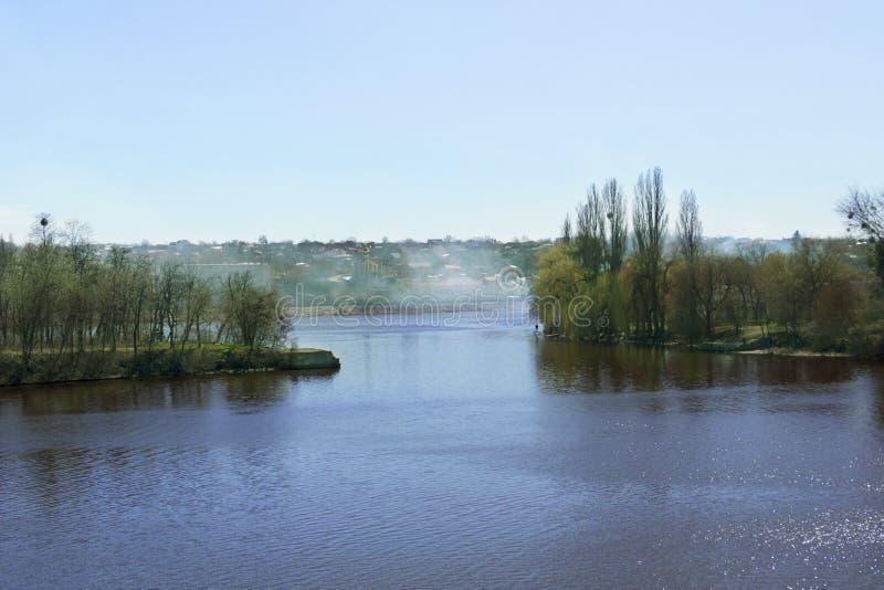 Река в Vinnitsa, Украине стоковые изображения