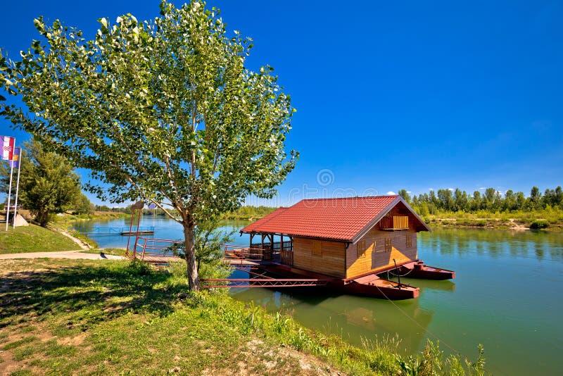 Река Дравы плавая деревянная кабина стоковое изображение