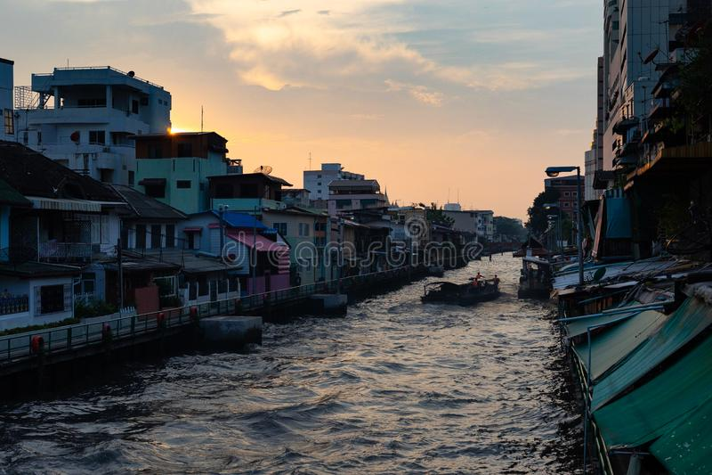 Река захода солнца в Бангкоке стоковые фото