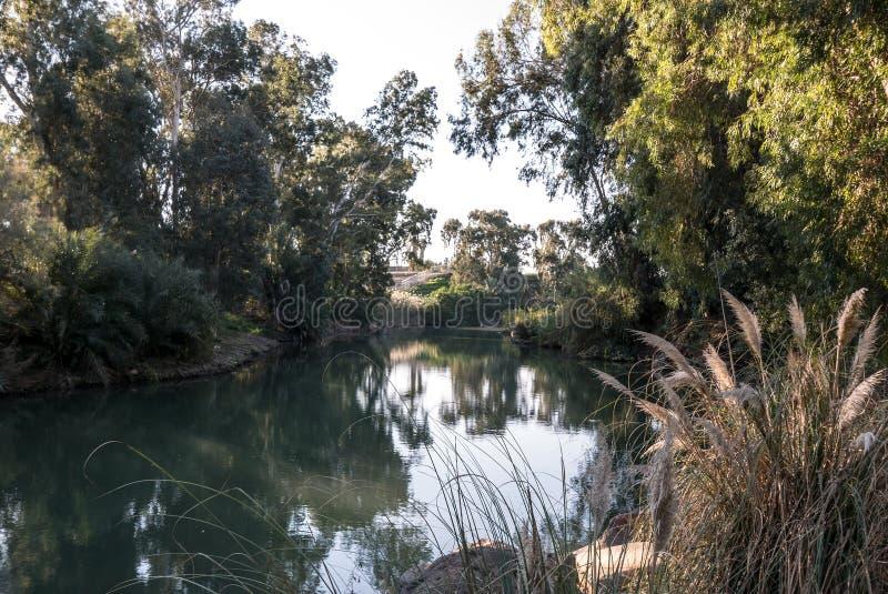 Река Иордан на Yardenit стоковые фото