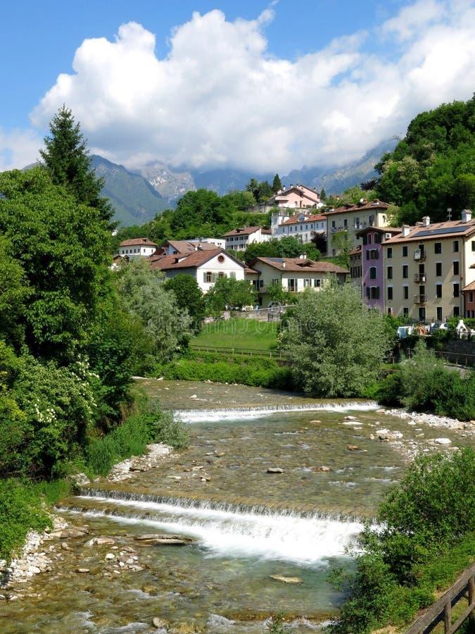 Download Река Италия деревни Беллуно Стоковое Изображение - изображение насчитывающей река, туризм: 41659625