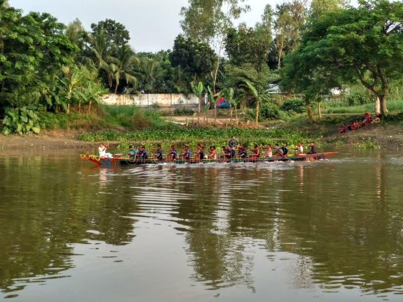 Река и шлюпка стоковое фото rf