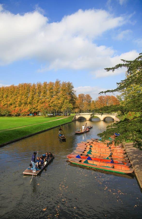 Река кулачка в Кембриджском университете стоковое изображение rf