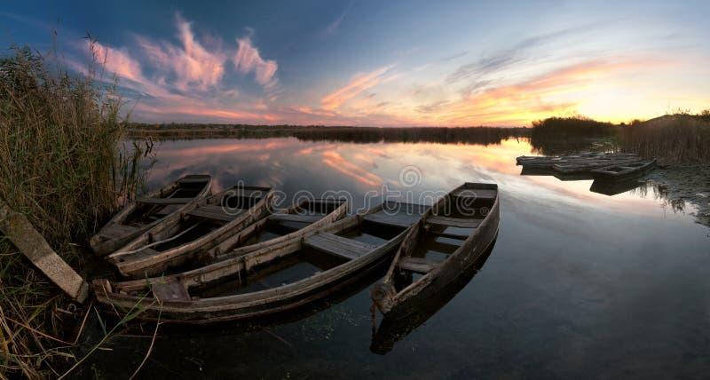река ландшафта шлюпок стоковое изображение rf