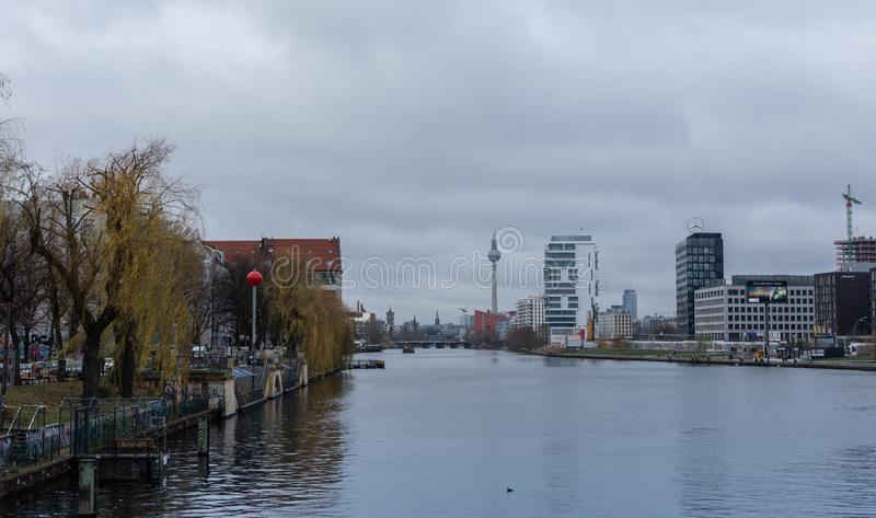 Река оживления в зимнем дне стоковое изображение