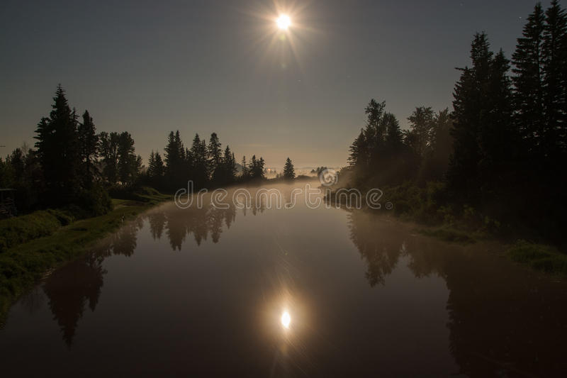 Река полнолуния стоковые изображения