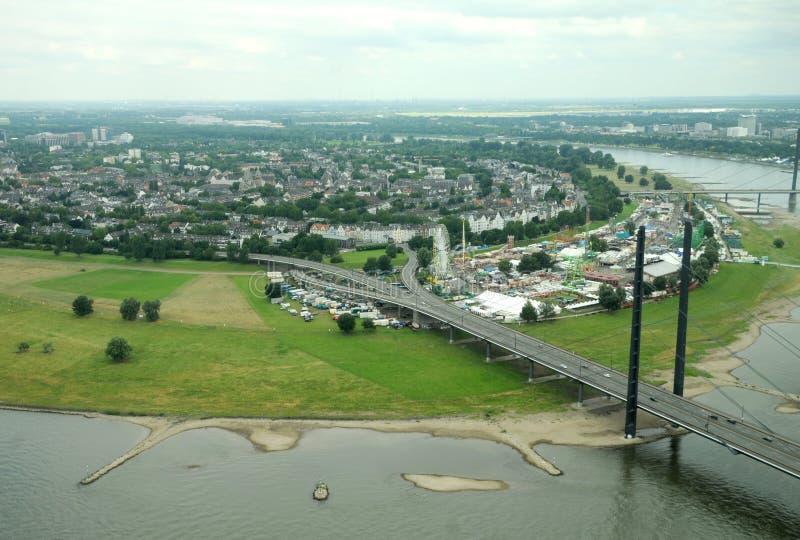 Река Рейн в Дюссельдорф стоковые фотографии rf