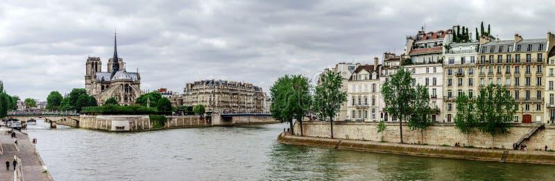 Река Сена в Париже, панорамном взгляде стоковое изображение rf