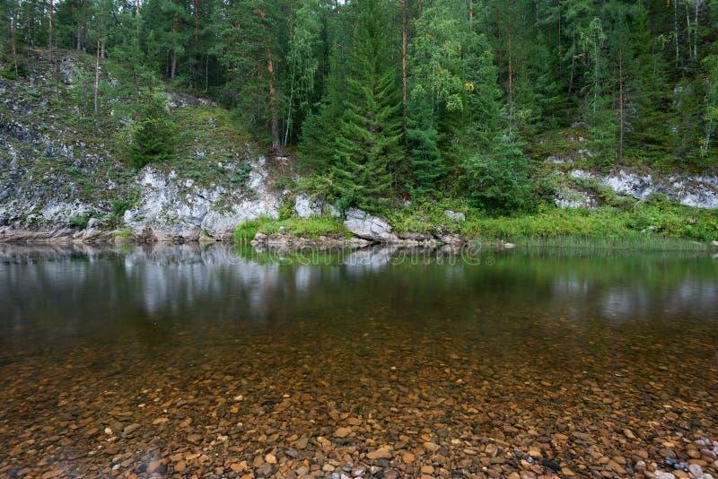 Река среди утесов стоковое фото rf