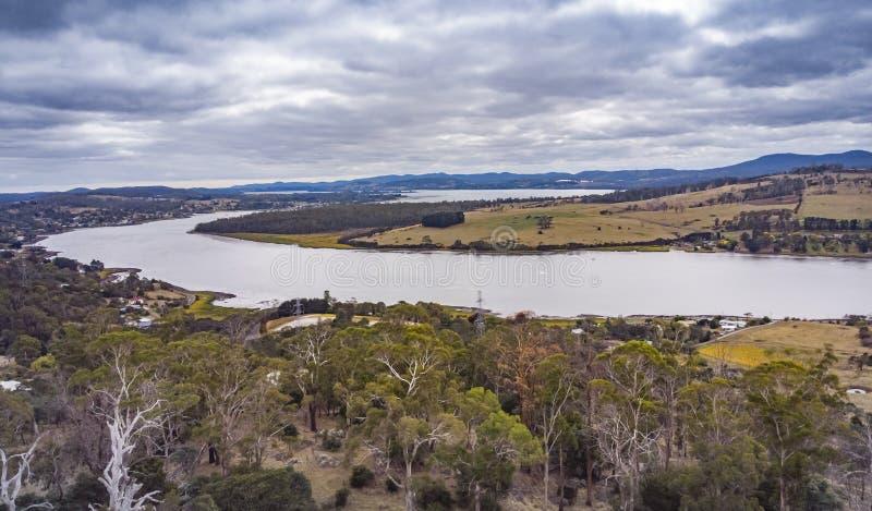 Река Тамар в Тасмании зимой стоковые изображения rf