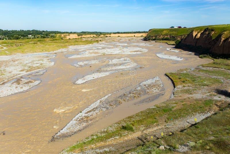 Река Aksu в Казахстане весной стоковые фотографии rf