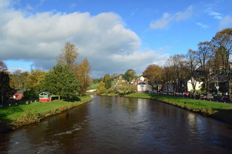 Река Eden внутри Appleby-в-Westmorland стоковое фото