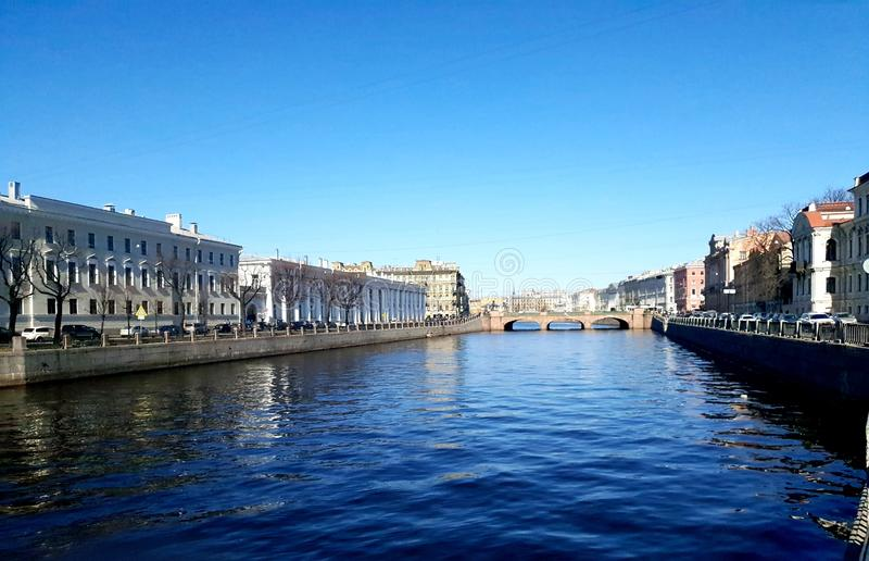 Река Fontanka в солнечности Санкт-Петербурге стоковое изображение