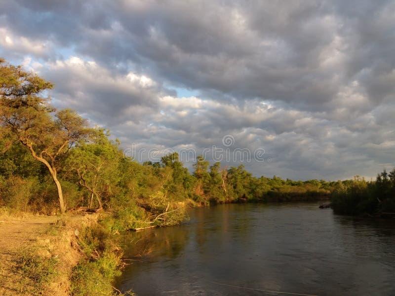 Река Juramento, Salta Аргентина стоковая фотография