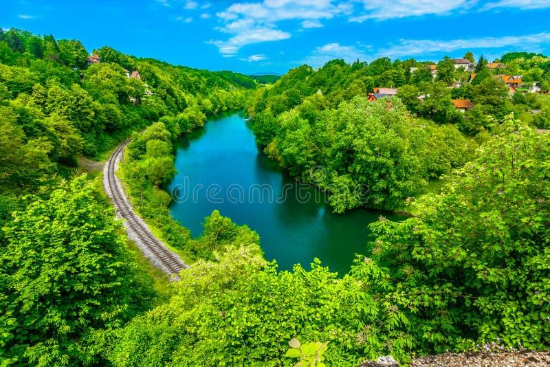 Река Kupa в Ozalj, Хорватии стоковая фотография