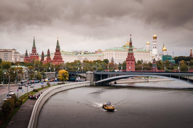 Река moskva ` s Москвы стоковое фото