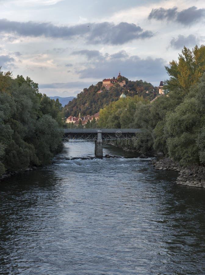 Река Mur на заходе солнца в Граце, Австрии стоковая фотография