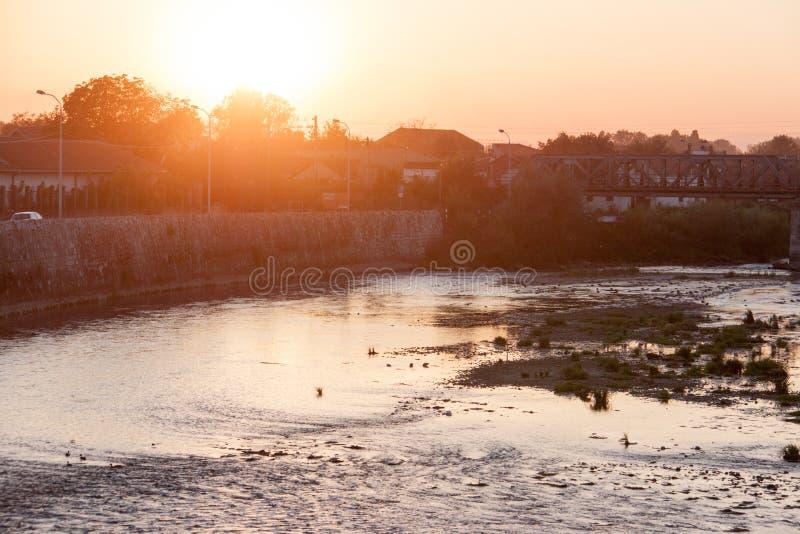 Река Nisava в волшебном часе стоковое изображение rf