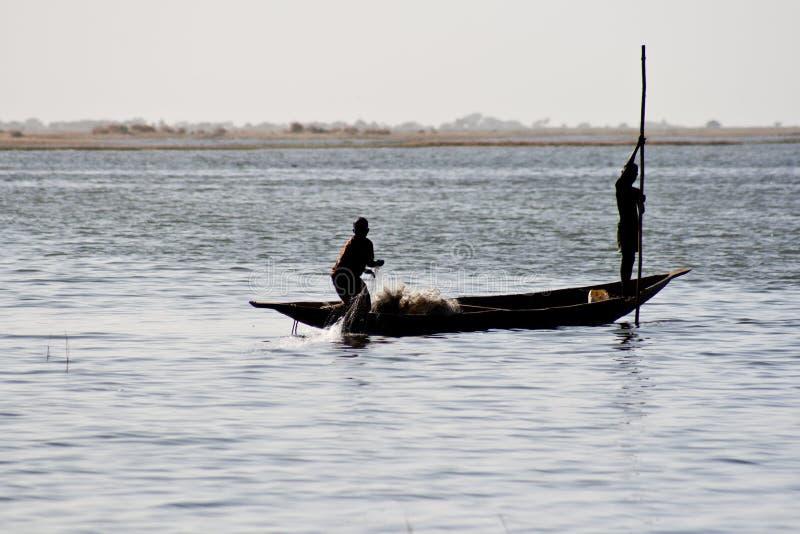 река pirogue Нигерии 10 рыболовов стоковое фото