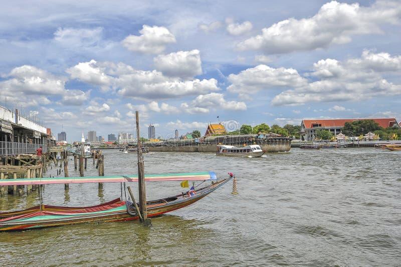 река praya chao bangkok стоковые изображения