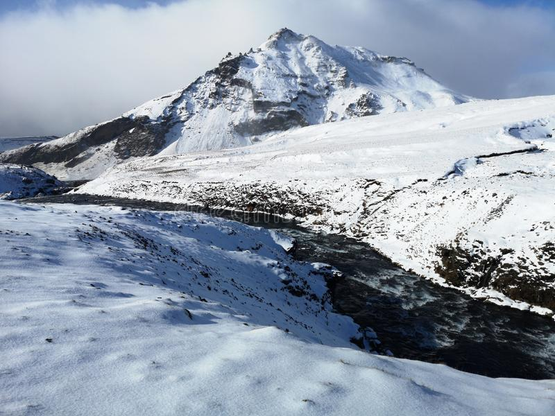 Река Skoga в зиме r стоковая фотография rf