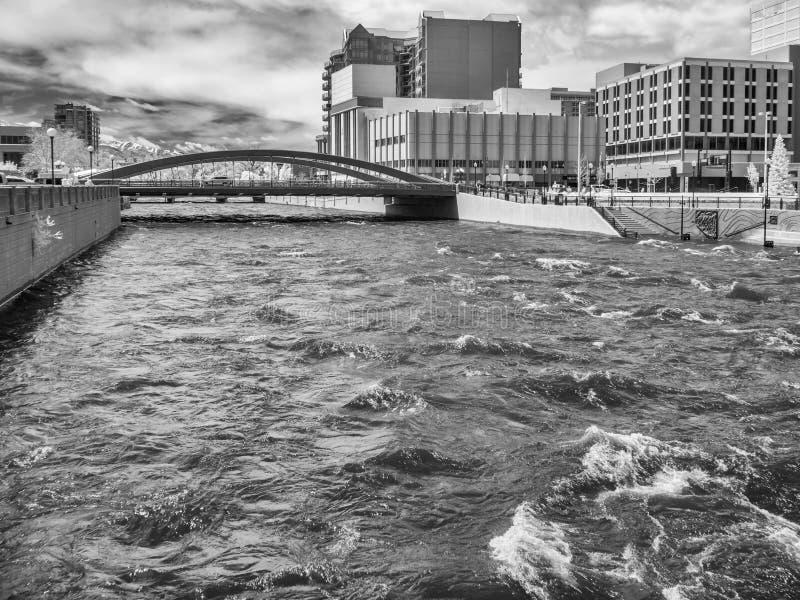 Река Truckee в Reno, Неваде стоковое фото