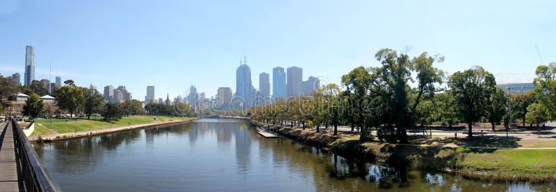 Река Yarra горизонта Мельбурна стоковое фото rf