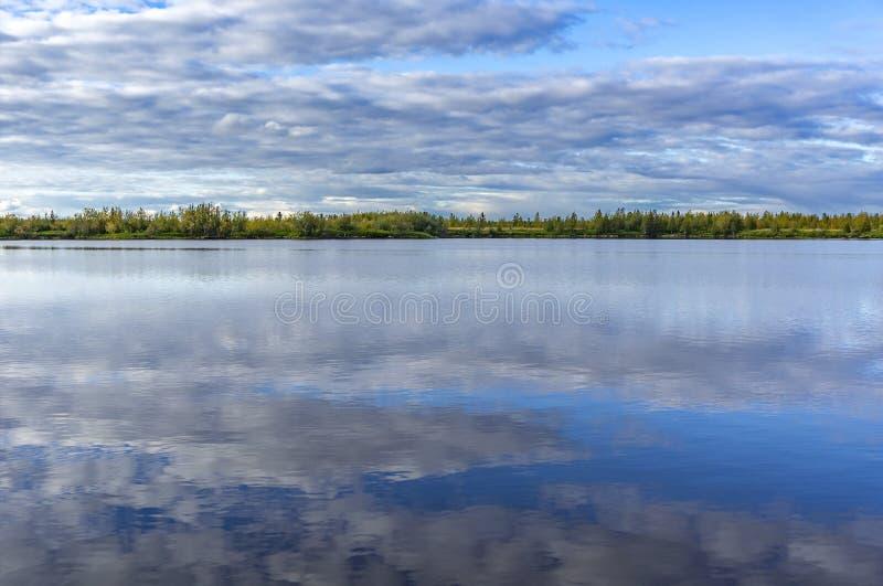 Реки и озера, Yamalo-Nenets автономное Okrug стоковое фото rf